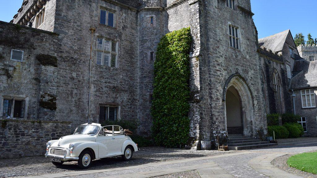 vintage-car-dartington-hall