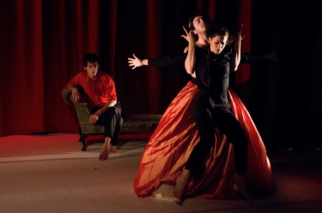 Impermanence Dance Theatre at Wickham Theatre, Bristol University. (c) Lydia Harrison