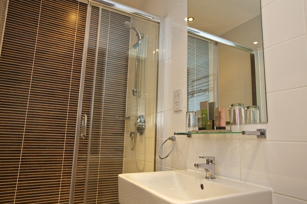 Deluxe Ensuite (West Wing)