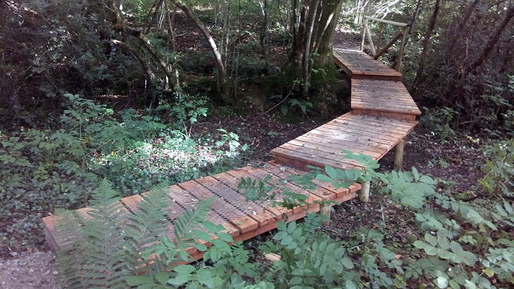 The new bridge opening up access to walkers around Peek and Redlake