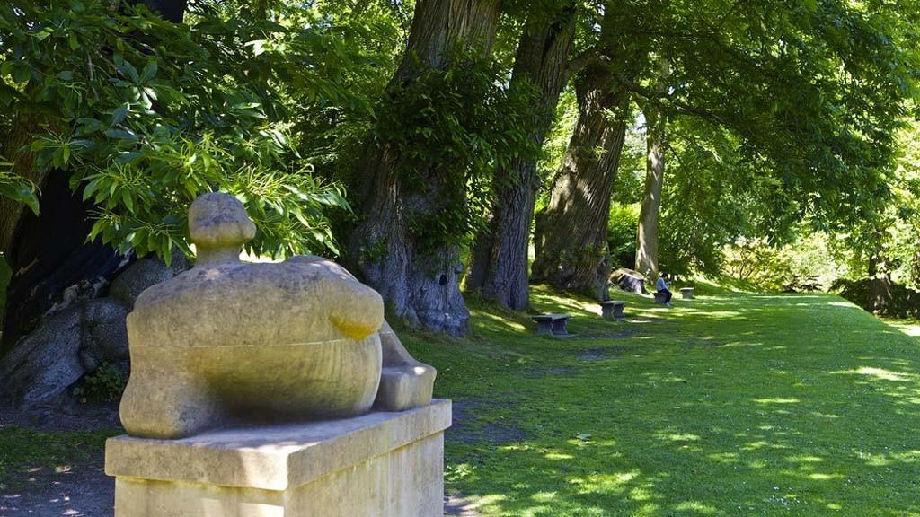 Henry Moore's Reclining Figure