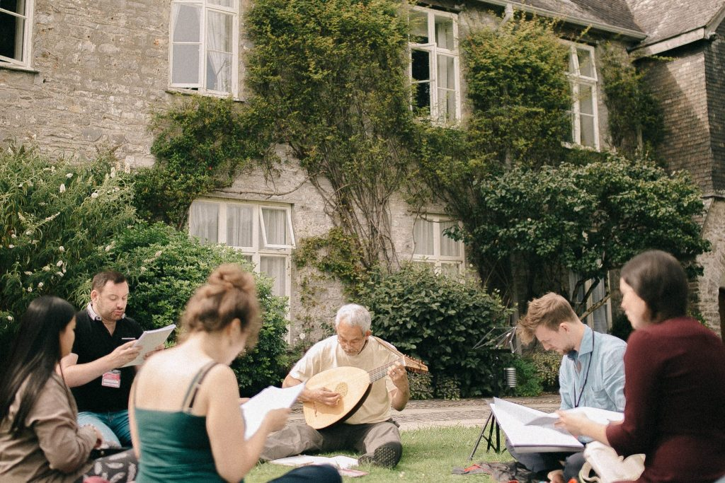 Vocal Masterclass and Lutenists outside - Summer School 2017