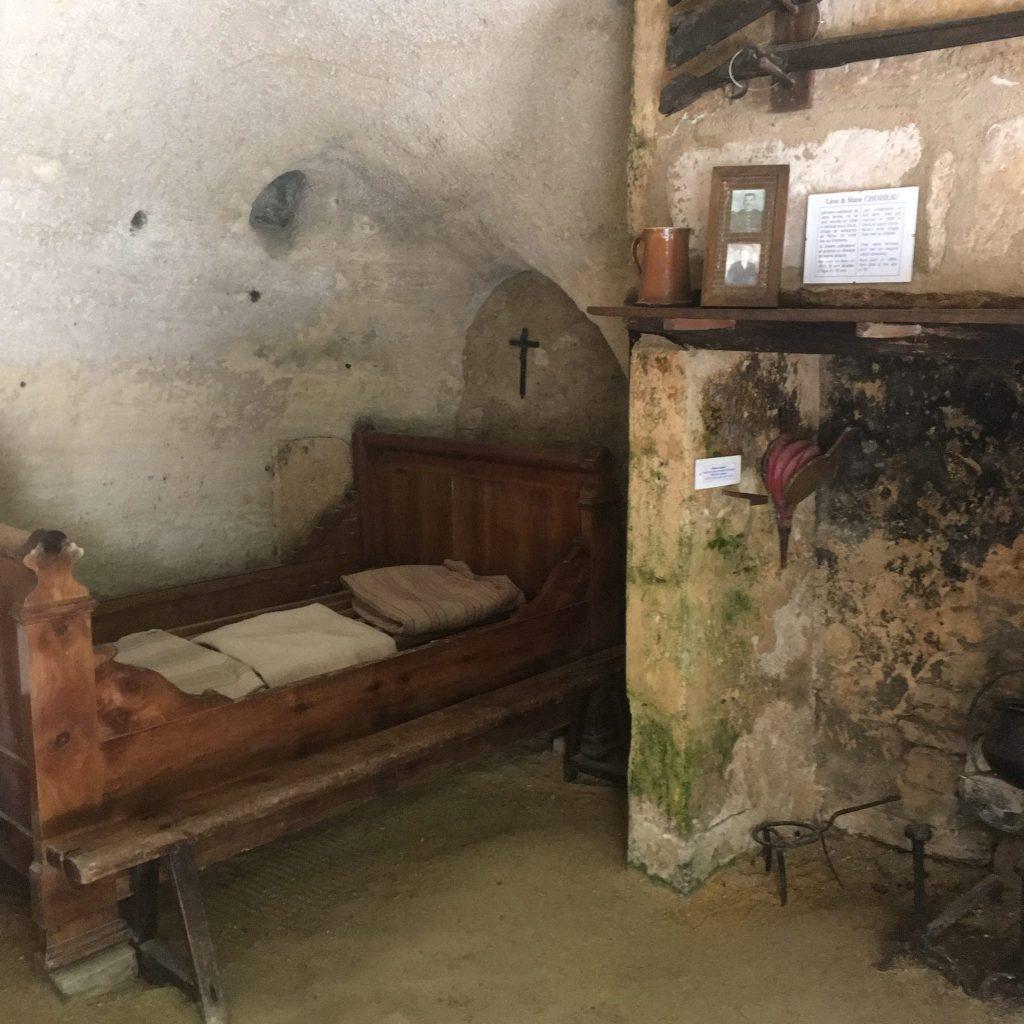Trog bed - France
