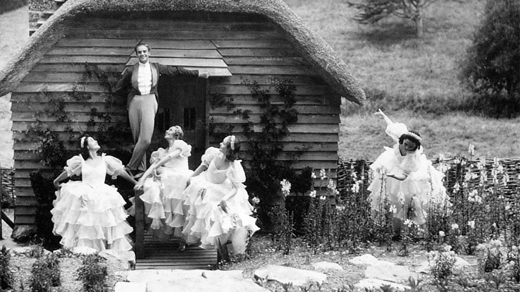 Ballets Jooss outside our summerhouse